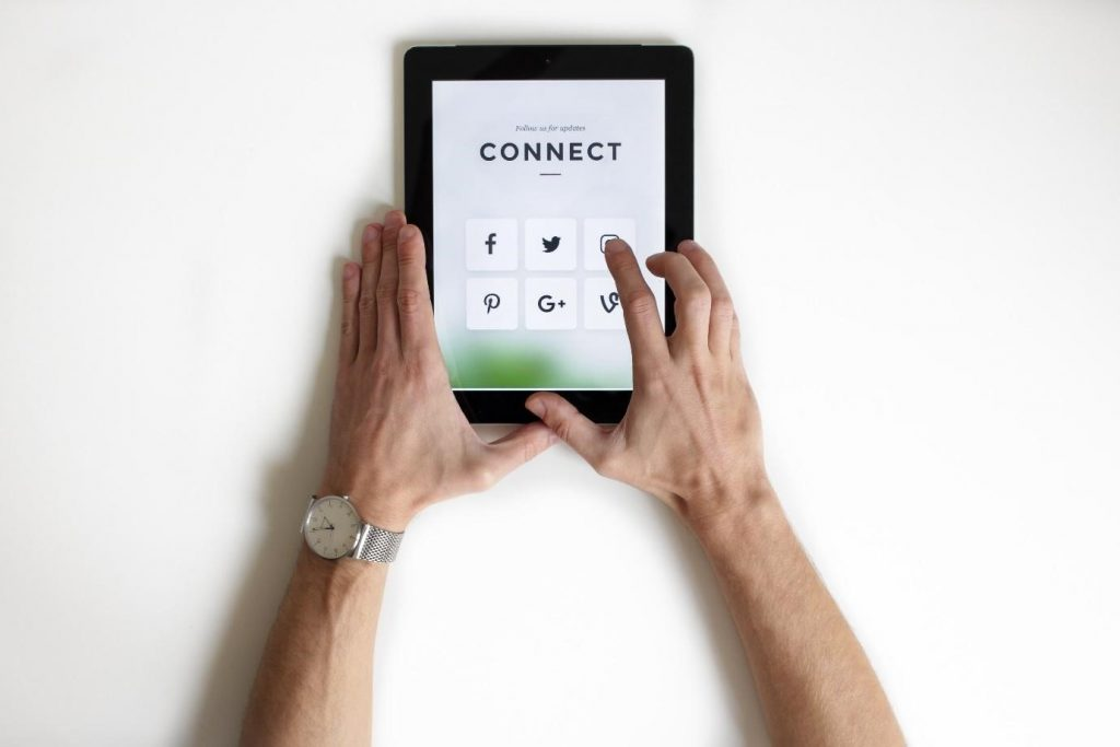 tips for social media recruiting