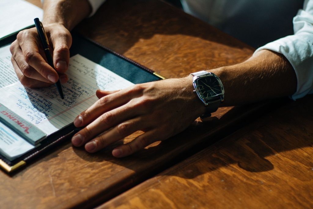 5 Quick Tips for Managers to Write Effective Performance Reviews